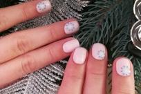 розовый маникюр с 3d снежинками