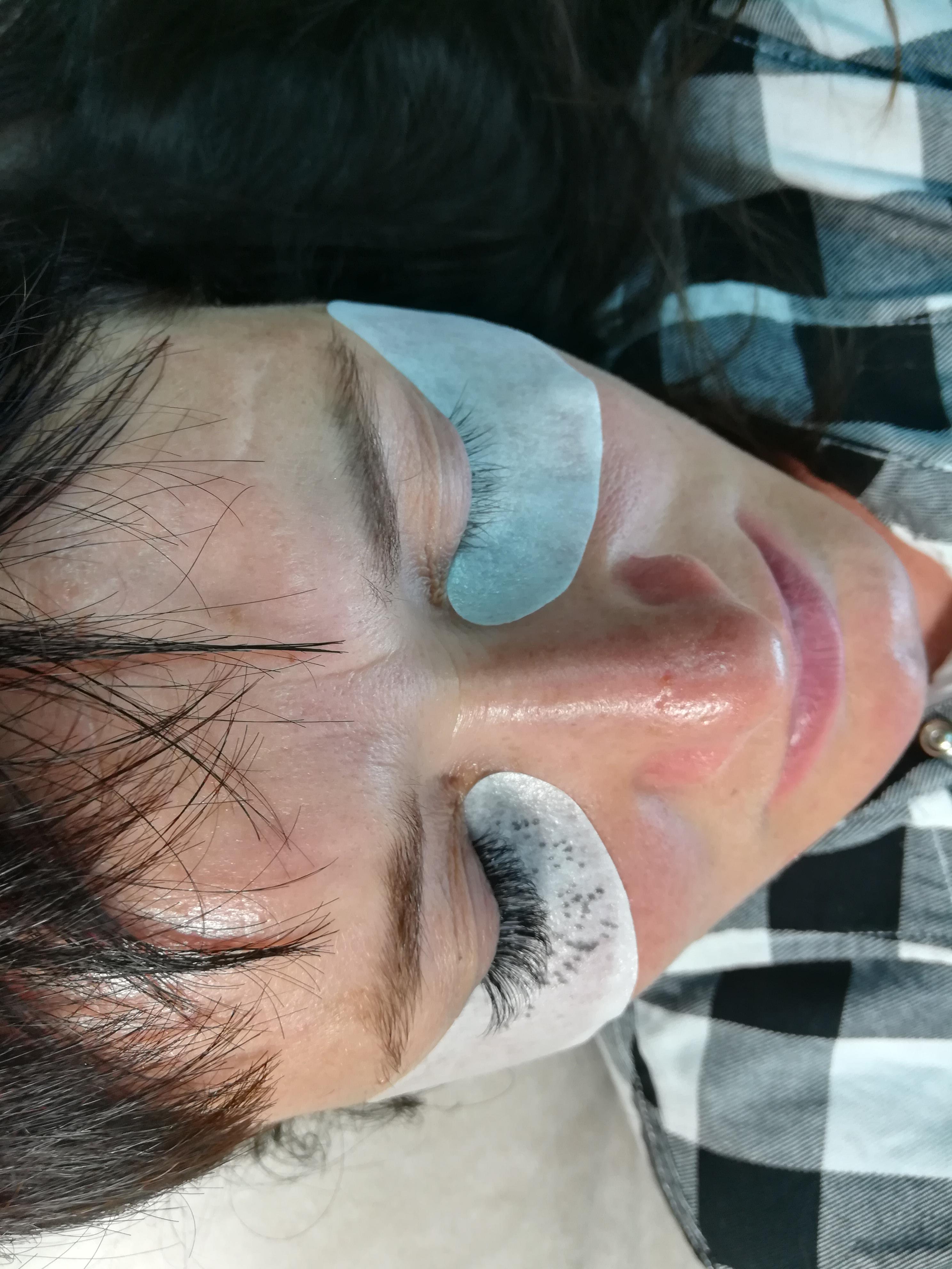 Процесс наращивания ресниц 2D